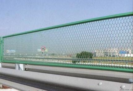 高速公路防护栏