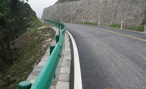 青海银虎网围栏有限公司 高速公路防护栏 > 青海藏烤箱青海网围栏